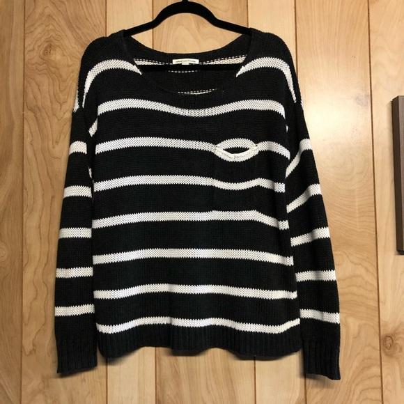 🎀3/$25 American Eagle striped knit sweater